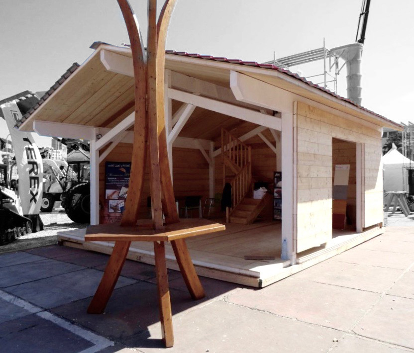 Abn building corporation stand d 39 exposition batimatec bois for Menuiserie stand exposition